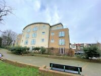 Prime Location Purpose built spacious one bedroom flat near Ilford station --No DSS please