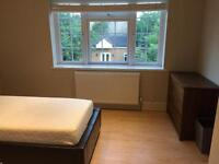 Double room w/ En suite Shower/toilet for lodger