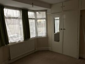 double room available very closed to High Wycombe town centre