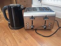 Toaster and Kettle, only used for 2 weeks