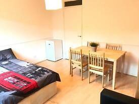 Perfect double room available in archway just 180 pw no fees 2 weeks deposit with a private garden