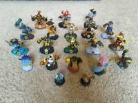 SKYLANDERS SWAPFORCE figures and power-ups, portal and wii game