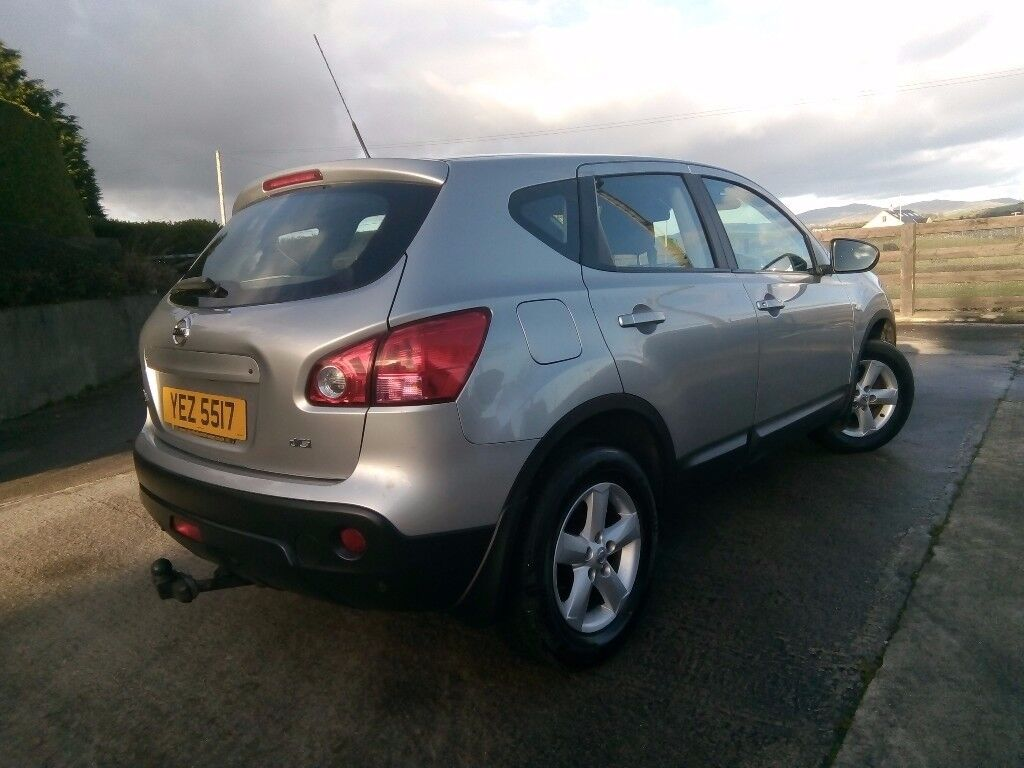 Nissan Qashqai 1995cc dci One lady owner from new