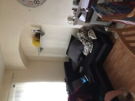 One bed flat to let immediate