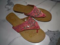 WOMENS SANDALS/BEACH SHOES/PINK