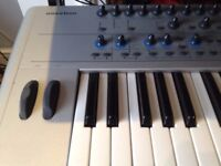 KS4 NOVATION SUPER SOFT TOUCH KEYBOARD CLASSIC.