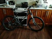 GT Avalanche 3 Bike excellent condition was £800