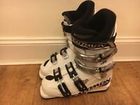 Solomon kids junior 70 ski boots 24.0 - 24.5 (size 4 - 5)