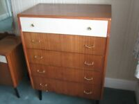 A VINTAGE/ANTIQUE MID-CENTURY TEAK CHEST OF DRAWERS NICE PRE-LOVED CONDITION FREE LOCAL DELIVERY