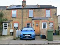 2 bedroom house in SECOND CROSS ROAD, 10 MINS WALK STRAWB HILL STATION