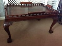 Antique style coffee/butler table with removable tray