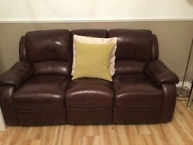 Leather Suite, Top Quality Hide Leather in Rich Brown