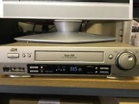 JVC SVHS Video Recorder/Player - HR-S7500