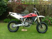 Husqvarna SM450R as new condition.