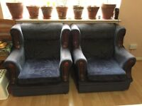 Sofas in excellent codition for free collections