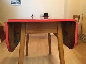 Table + chairs Vintage £200