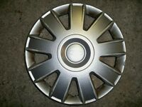 Ford hub caps £10 for pair of 15 inch genuine Ford parts, excellent condition.