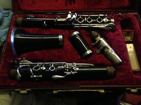 Clarinet recently reconditioned like new in case