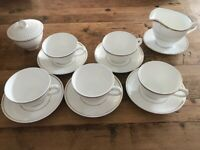 5 Insignia Wedgwood Teacups & Saucers
