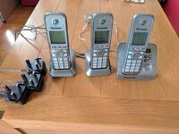 Set Of 3 Wireless Portable Panasonic Telephone