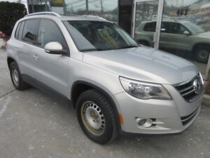 2011 Volkswagen Tiguan 2.0 TURBO 4MOTION WITH MOONROOF