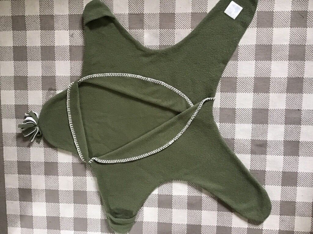 Tuppence And Crumble Star Baby Wrap Size M Fern Green In Dulwich