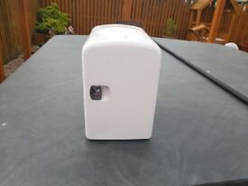 Mini Cooler/Warmer Fridge and Gas Camping Stove