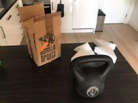 GorillaSports Kettlebell (8 KG)