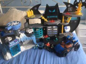Batman cave/ mr freeze cave/ batcar/joker van/figures