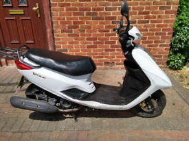 2013 Yamaha VITY 125 scooter, new 12 months MOT, good runner, Hpi clear, ready to ride away ,,,
