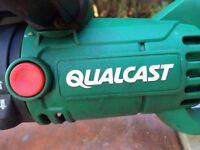 QUALCAST GHT600A1 600 Watt electric hedge trimmer