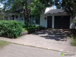 279 000$ - Maison 2 étages à vendre à Sept-Iles