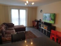 2 DOUBLE BEDROOM FLAT IN CHESHUNT WITH OFF STREET PARKING AND 2 BATHROOMS