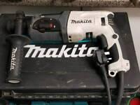 MAKITA SDS ROTARY HAMMER DRILL 240V HR2470
