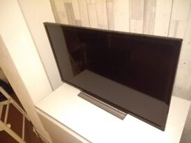 Toshiba 32-Inch HD Ready Smart TV with Freeview Play - Black