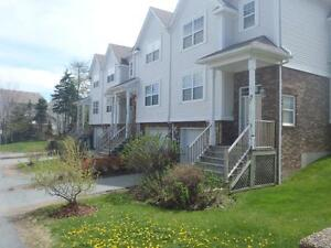 Free Month CLAYTON PARK TOWNHOUSE
