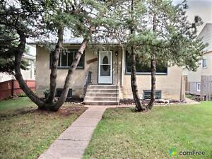 $247,900 - Raised Bungalow for sale in Newton