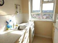 2 bedroom flat for house with a garden in Leeds