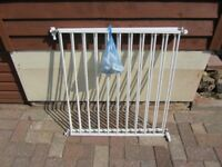2 x Lindam Door Safety Gates