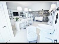 1 x hairdresser/Stylist and 1 x Nail technician for busy salon in Kilsyth