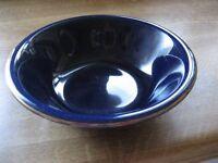 NEW COLBALT BLUE & GOLD TRIMS DINNER SERVICE 4 LARGE PLATES 6 SIDE PLATES 4 CUPS 3 SOUP CERIAL BOWLS