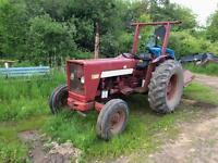 2 624 international farm tractor