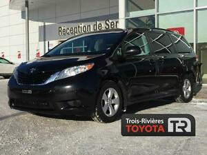 Toyota Sienna LE 2012