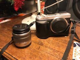 LUMIX dmc-gx7k camera with 14-42 3.5 Panasonic lens