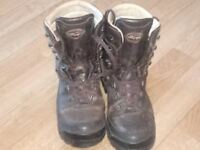 Gents pre-owned Le Chameau walking/hiking boots Size 8 (42)