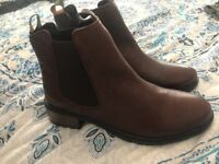 Mens genuine leather brown Barbour boots size UK8 BRAND NEW