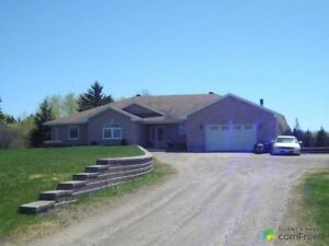 $600,000 - Bungalow for sale in Corbeil