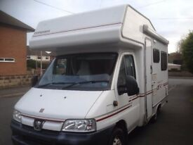 Motorhome. Peugeot Compass. 4 berth, End Lounge