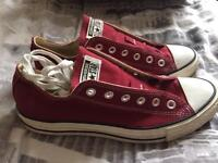 Genuine New Unisex Converse Size 8 Red