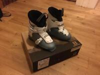 Solomon T2 Girlie Ski Boots - Size 21